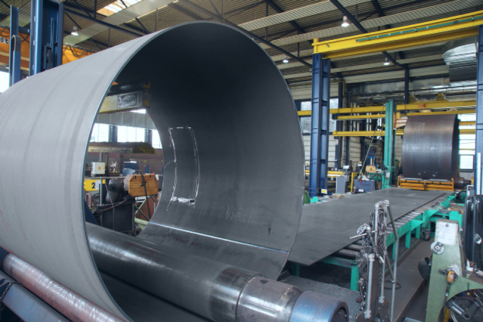 Bending of sheet metals with widths up to 3.5m is possible